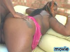 Fat chocolate vixen fucked by guy